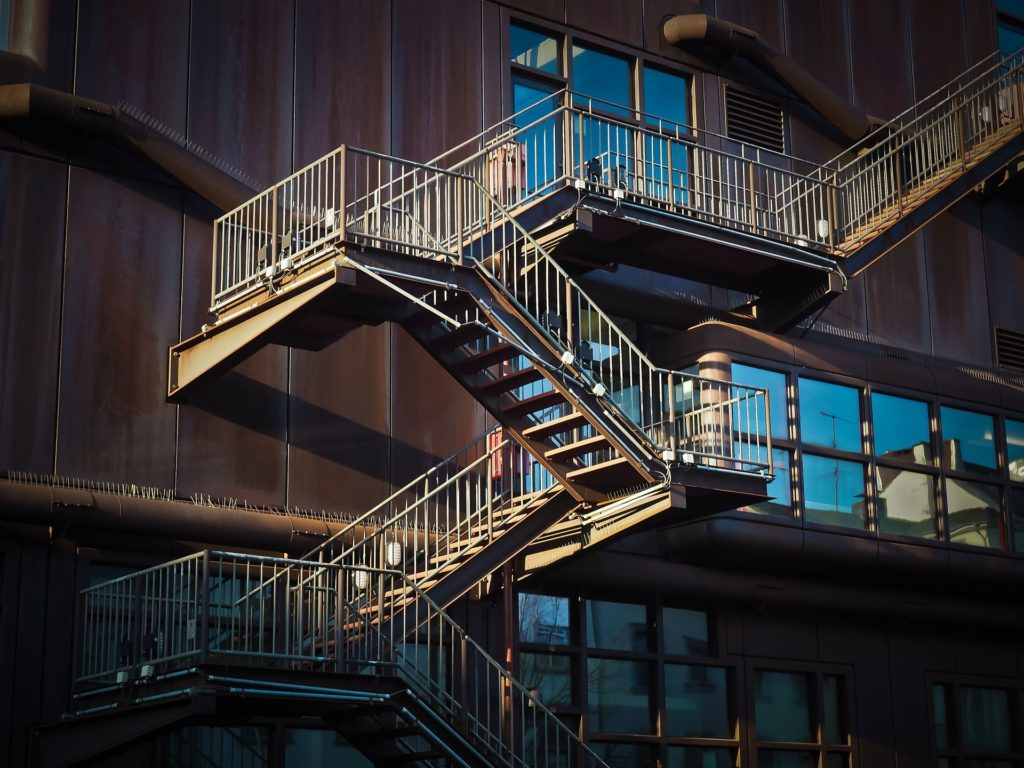 Tipos de estructuras metálicas | Servicio de herrerias residenciales | Esmeteva